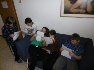L4 liest Briefe